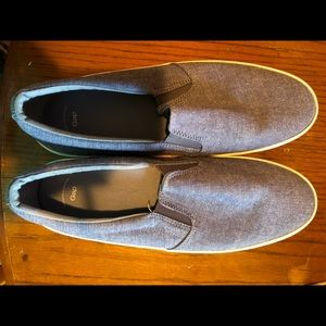 Gap slip on shoes never worn